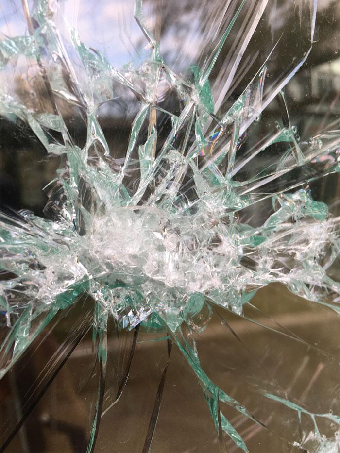 simon berger artista cristal roto-1